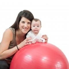 בתמונה: מורן פיצ'ון והבת גילי