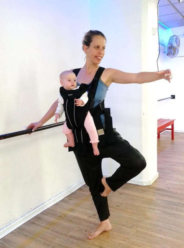 התמונה מתוך balleriMa | שיעור ריקוד לאימהות אחרי לידה