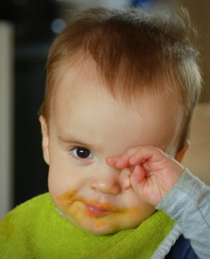שפשוף עיניים - אחד הסממנים