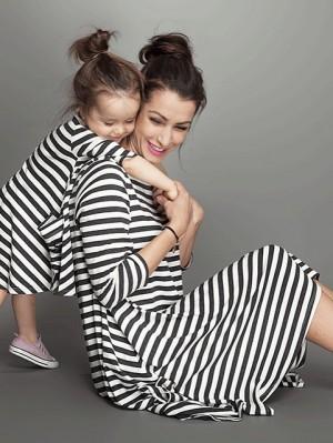 חדש-2015-תינוק-ואמא-שמלה-שמלת-ילדה-מבט-משפחתי-נשים-ילדי-פיג-מות-בגדי-ילדים-פס.jpg_640x640