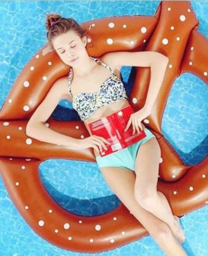 מתנפחים-מעגל-סופגנייה-טבעת-בריכת-שחייה-מתנפחת-גודל-גדול-מעגל-בטיחות-בטיחות-רחצה-בריכת-אביזרי-זרוק.jpg_640x640