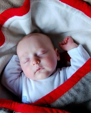 איך תדעו אם לתינוק חם או קר? כך תעברו את החורף בשלום