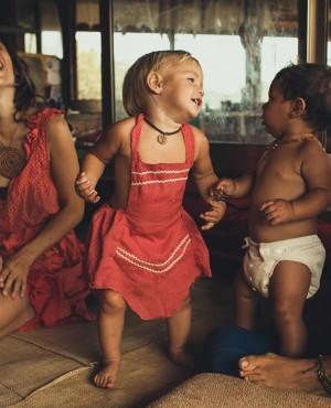 ילדי טבע: הישראלים שמגדלים את הילדים שלהם בחופש מוחלט