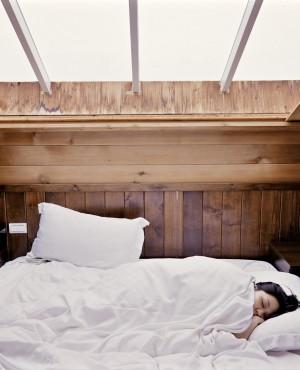 25 דברים שאימהות יודעות אחרי לילה נטול שינה